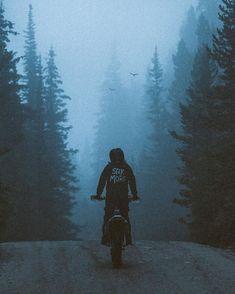 aaronbhall Dass ich einmal mehr einer Jacke zugehört habe als einem Menschen. … aaronbhall That I once more listened to a jacket than to a human being. – Pic ideas for Logan – Motorcycle Outfit, Motorcycle Bike, Vintage Motorcycles, Cars And Motorcycles, Ktm Dirt Bikes, Enduro Motocross, Freestyle Motocross, Motorcycle Wallpaper, Motorcycle Photography