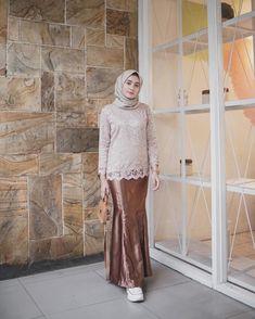 28 Ideas Wedding Blue Dress Pictures For 2019 Model Kebaya Brokat Modern, Kebaya Modern Hijab, Dress Brokat Modern, Kebaya Hijab, Dress Brokat Muslim, Kebaya Muslim, Muslim Dress, Kebaya Lace, Kebaya Dress