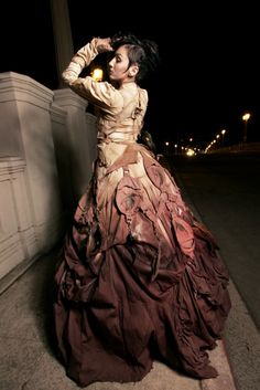 steampunk fashion <3 love the old style dresses...