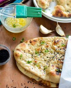 Ez a kenyérke nem tartalmaz lisztet, de szendvics alapanyagként, köretként vagy nassolnivalóként is kitűnő választás.