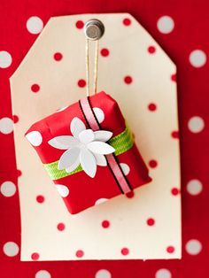 Create a foodie advent calendar ~ wrap up unique candy from around the world, yummy cookies and treasured recipes! Each day will be a different culinary experience!