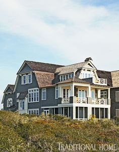 Easy Breezy Beach Retreat | Traditional Home