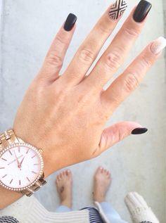 Black and gold gel nails. Shellac gold sparkle black gel polish. Square gel nails. Accent nail design.