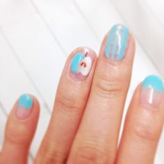 Nail for this week an apple on and it's3D!!i love it.