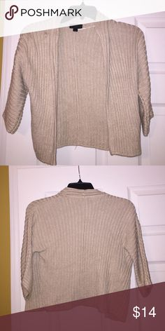 Woman's sweater cardigan Cream colored sweater cardigan. Excellent used condition. Only worn a couple of times.      •🚭All items from smoke free home🚭.           •Feel free to comment or make a reasonable offer! Worthington Sweaters Cardigans