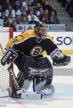 Hockey Goalie, Field Hockey, Hockey Teams, Hockey Players, Ice Hockey, Sports Teams, Boston Bruins Goalies, Poke The Bear, Goalie Mask