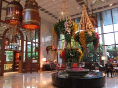 Mandarin Oriental Bangkok, lobby with flowers and amazing color palette