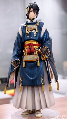 Mikazuki Munechika scale figure