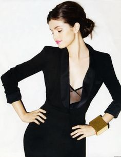 IN STYLE SPAIN - P. 124 - 01 MAY 2011. SELENA GOMEZ WEARS TOM BINNS DESIGN FUTURE FANTASTIC CUFF - FFG006