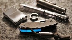 An amazing shot of our blue glow in the dark spacers for the spyderco techno.