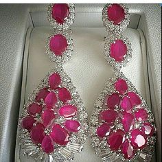 @serkan_atalay. Unbelievable rubys and diamonds earrings. Astonishing beauty. Exceptional colour. Splendid.