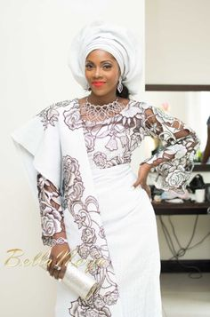 Nigerian Singer Tiwa Savage in a sophisticated traditional Yoruba top and wrapper (sarong) at her engagement party