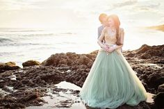 So  obsessed with this gold x mint whimsical bridal look!