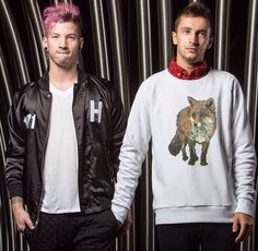 Tyler Joseph and Josh Dun Twenty One Pilots skeleton clique stay street stay alive |-/