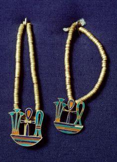 Jewels of Princess Khnumit, BC, Dahshur Necropolis, Memphis, Egypt… Ancient Egypt Civilization, Ancient Egyptian Artifacts, Ancient Egyptian Jewelry, Pyramids Egypt, Egyptian Symbols, Ancient Aliens, Ancient History, Cairo, Egypt Jewelry