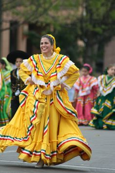 Mexican folklorico dance (Jalisco)