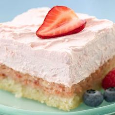 Strawberry Cream Dessert Squares @keyingredient #cheese #dessert
