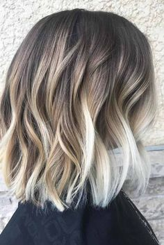 Beach Waves Short Hair Hair 48 Balayage Ombre Hair Colors For 2019 Beach Waves For Short Hair, Chic Short Hair, Short Hair Styles, Trendy Hair, Short Blonde, Short Wavy, Short Hombre Hair, Short Curled Hair, Short Hair Ombre Brown