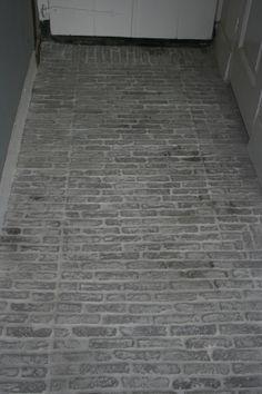 Castle stones van hoffz, Had het motiefje anders gelegd maar mooi effect van oude waaltjes.~Rustic Living~GJ* Cosy Garden Ideas, Castle Stones, Small Appartment, Sober Living, Carpet Tiles, Stone Flooring, Minimalist Living, Rustic Interiors, Country Living
