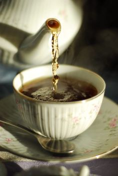 Tea by Juan Jose Dittlof on Coffee Time, Tea Time, Morning Coffee, Café Chocolate, Tea And Books, Cuppa Tea, Tea Art, My Cup Of Tea, Mini Desserts