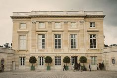 The Petit Trianon was designed by Ange-Jacques Gabriel by the order of Louis XV for his long-term mistress, Madame de Pompadour, and was constructed between 1762 and 1768