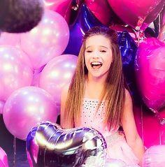 A photo from Mack Z's it's a girl party Dance Moms Mackenzie, Maddie And Mackenzie, Mackenzie Ziegler, Maddie Ziegler, Dance Moms Facts, Dance Moms Girls, Mack Z, Little Miss Perfect, Z Music