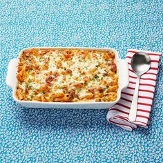 A Classic Baked Ziti Is Just What You Need Tonightthepioneerwoman Cheesy Recipes, Pasta Recipes, Beef Recipes, Dinner Recipes, Cooking Recipes, Dinner Ideas, Barbecue Recipes, Easy Cooking, French Tips