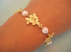 flower and pearl bracelet
