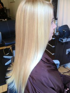 Blonde highlights and #ombre #goldwell