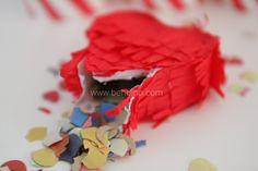 www.benbino.com/blog  Valentinstag   Herz-Pinata   DIY   Anleitung   Mini-Pinata   freebie   Tutorial   be my valentine