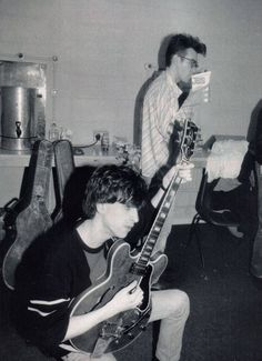 The Smiths backstage 80s Music, Rock Music, Mike Joyce, The Smiths Morrissey, The Queen Is Dead, Johnny Marr, The Libertines, Charming Man, The Clash