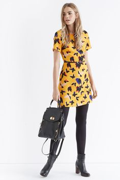 Sunshine daisies, butter mellow, we've found The Dress and it's bright yellow! #MeltIntoSpring