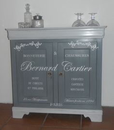 AMATXI Déco Créations Petit Meuble Réalisé Avec Old White Chalk - Peinture de meubles anciens