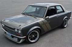 Brings back memories of Southern Cal in the late 80s Datsun 1600, Datsun Car, Tuner Cars, Jdm Cars, Car Images, Amazing Cars, Awesome, Japanese Sports Cars, Nissan Infiniti