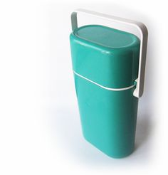 Decor BYO wine carrier designed by Richard Carlson