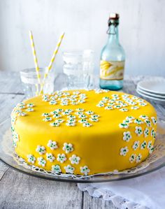 Koti, Marimekko, Cake Decorating, Food And Drink, Birthday Cake, Parties, Easter, Colours, Baking