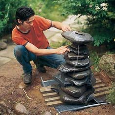 DIY Garden Fountain You could also add a little pool chlorine to help keep any bacteria from growing in the water. Diy Water Fountain, Rock Fountain, Garden Water Fountains, Stone Fountains, Homemade Water Fountains, Water Gardens, Diy Jardin, Backyard Water Feature, Diy Garden Projects
