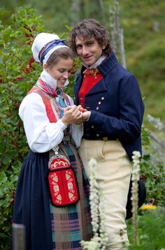 Chief Curator at Norsk Folkemuseum in Oslo, Tomas Walle with Anne Kristin Moe from Norwegian Institutt of Folk Costumes in Valdres.