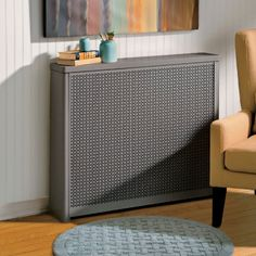 Update your radiators easily and affordably with decorative Radiator Covers. These heater covers are decorative and help conserve energy. Diy Radiator Cover, Radiator Screen, Hallway Decorating, Interior Decorating, Decorative Radiators, Old Radiators, Apartment Interior Design, Design Interior, Apartment Therapy