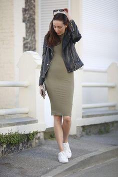 Robe midi kaki et sneakers avec @boohooofficial  - 1/3 - Lauraleen Lifestyle