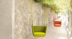 mobilier extérieur design: chaise suspendue Adagio