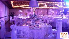 Organización de Bodas en Cali, Decoración de Bodas en Cali, Bodas de Salón en Cali, Entremanteles www.entremanteles.com Chandelier, Glamour, Ceiling Lights, Home Decor, Luxury Wedding, Wedding Decoration, Candelabra, Decoration Home, Room Decor