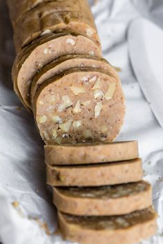 Maple Walnut Shortbread Cookies ~ maple infused and packed with nuts, this takes my classic slice and bake shortbread cookie recipe to a whole new level. Brownie Cookies, No Bake Cookies, Yummy Cookies, Icebox Cookies, Chocolate Cookies, Köstliche Desserts, Delicious Desserts, Dessert Recipes, Plated Desserts