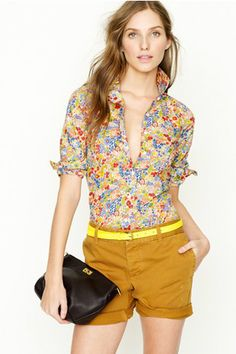 I am in love with this floral shirt. The yellow belt and shorts make her look pop even more. Perfect for summer! ^AS