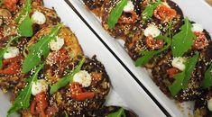 Suu salaatille! - Salaatti-, salaatinkastike-, dippi-, lehtikaali- ja smoothiereseptejä sesonkitietoisille. Sinä, joka arvostat hyvää makua,tuoreutta, konstailemattomuutta, helppoutta ja nopeutta.. Meatloaf, Vegetable Pizza, Salads, Vegetables, Food, Essen, Vegetable Recipes, Meals, Yemek