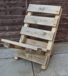 Folding Pallet Camp Chair