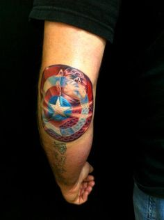 Not a big Captain 'Merica fan, but this tattoo is beautiful!