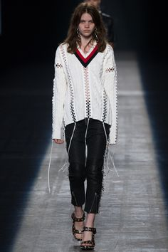 Alexander Wang Spring 2016 Ready-to-Wear Fashion Show - Lexi Boling