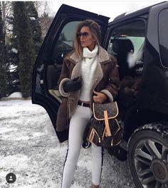 Luxury life as a girl: pin by kristi barr on rich girl lifestyle. Wealthy Lifestyle, Luxury Lifestyle Fashion, Luxury Fashion, Rich Lifestyle, Billionaire Lifestyle, Lifestyle Blog, Vintage Kids Fashion, Fashion Kids, Winter Fashion