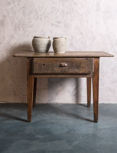Oude, authentieke Franse tafel met brede schuif - Old French table - Wide Drawer - WoonTheater